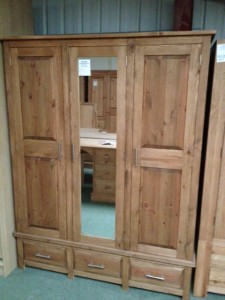 New Style 5ft triple wardrobe - £599