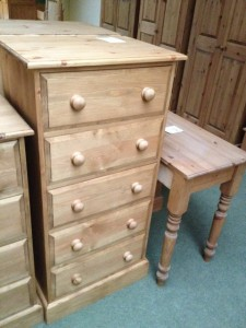 5 drawer chest - £215