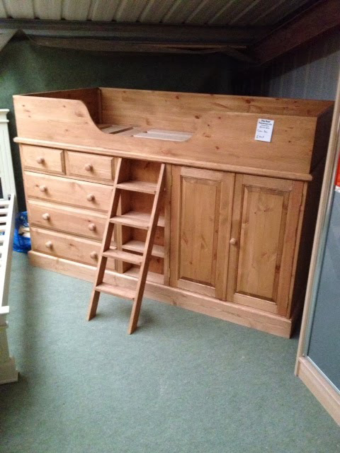 Cabin Bedroom Fitted Furniture: Pine And Oak Children's Furniture Hedgehog Furniture